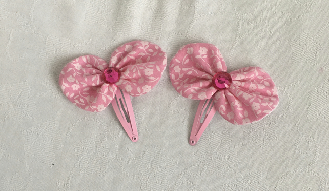 Pretty Bow Hair Clips, Snap Hair Clips, Hair Bows, On-trend Hair Accessories.