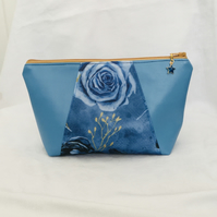 Unique Make-up Bag, Exquisite Cosmetic Bag, One of A Kind Zip Pouch, Gift Ideas