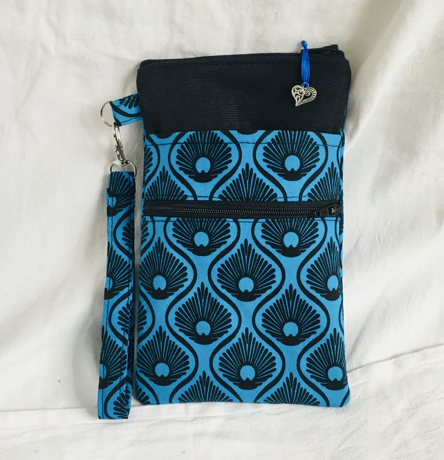 Stylish Wristlet Zipped Pouch, Compact Wrist Pouch, Practical Clutch Bag.