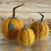 Set of 3 Needle Felt Pumpkin Decorations (Free UK Shipping)