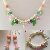 Off white pearl cake jewellery set