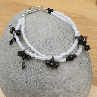 Black and white 2 strand seedbead bracelet