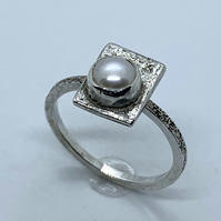 'Framed' Freshwater Pearl on Textured Sterling Silver Ring, 100% Handmade