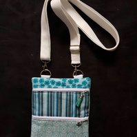 Crossbody bags with 2 x zip compartments and removable and adjustable strap