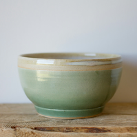 Green and White Bowl with Line