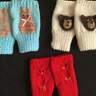 Hand knitted mittons