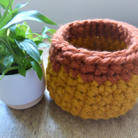 Autumn Coloured Crocheted Bowl in Mustard and Rust (17cm x 14cm)