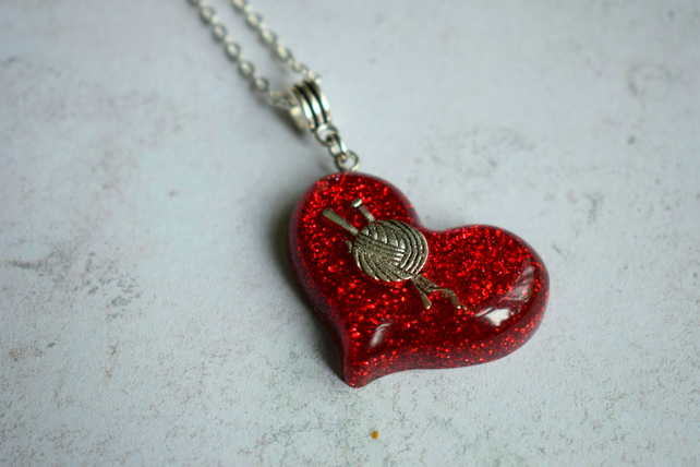Knitting Necklace, Resin Heart Necklace
