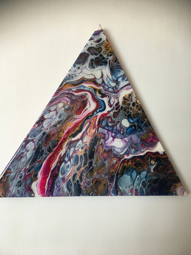 "Fluid art on triangle 16"" canvas, resin finished, multicoloured"