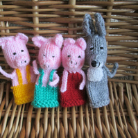 Knitted Finger puppets - Three Little Pigs