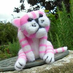 Pink and white cat, Bagpuss, needle felt cat,