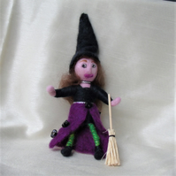 Needle felt Kitchen witch,hedge witch Halloween witch, handmade doll, wool witch