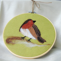 Robin wool art picture, embroidery hoop frame, wool fabric, needle felt robin