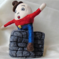 Needle felt Humpty Dumpty, Nursery rhyme character, collectable doll,