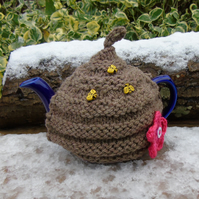 Beehive Tea cosy - to fit a small 1 or 2  cup teapot, knitted tea cosy