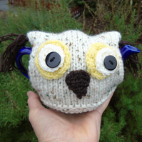 OWL tea cosy - hand knitted - to fit a 1 cup  tea for one teapot