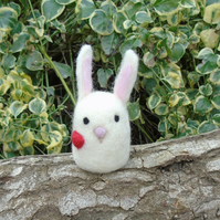 Cute white rabbit - Easter decor - wool rabbit - 3.5 ins tall