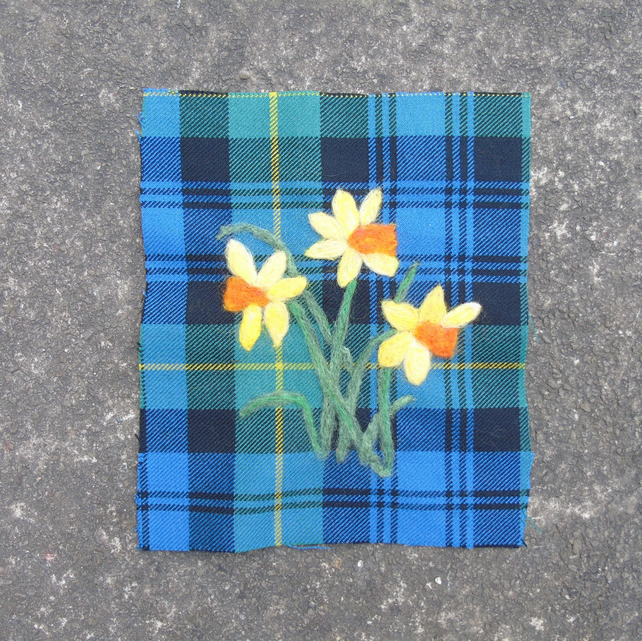 Daffodil picture, wool art picture , wool tartan fabric, needle felted floral ar