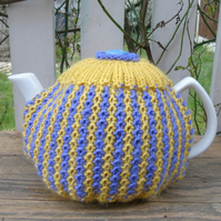 Wool Tea Cosy lavender and daffodil to fit a large standard size teapot