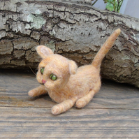 Needle felt cat. Kitten, Ginger Tom Cat. cat ornament.  Wool cat.