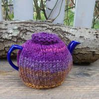 Tea cosy - to fit a small 1 or 2  cup teapot, knitted tea cosy - wool blend yarn