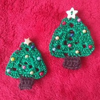 Christmas Tree Brooch, Christmas pin badge, Crochet jewellery