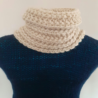 Chunky neck warmer with wool and alpaca