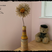 RUSTIC VASE AND DAISY FLOWER