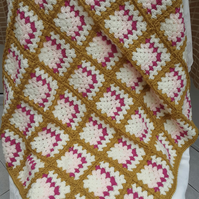 GREAT COLOUR COMBINATION THROW