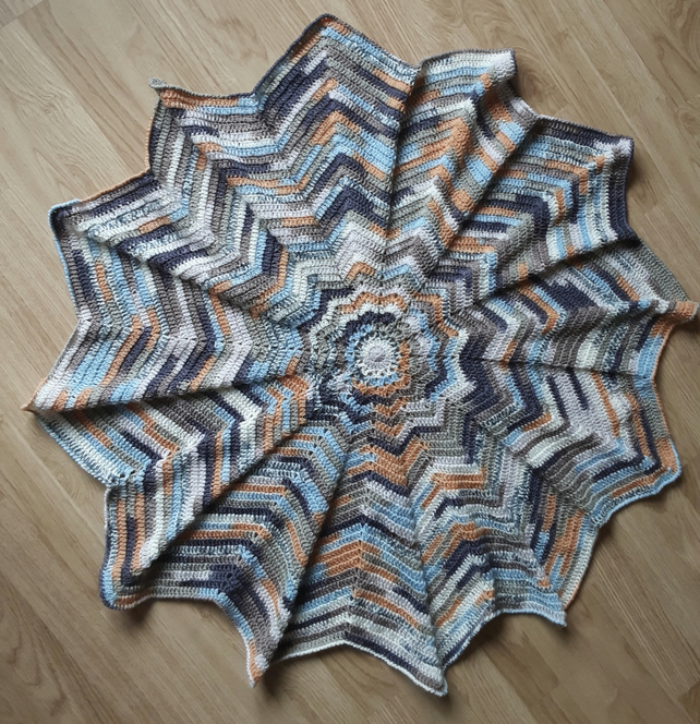 CROCHETED CIRCULAR THROW