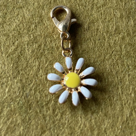 Daisy Progress Keeper or Charm