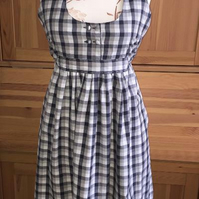 Handmade Pretty Gingham Apron with Pockets & Red Button details