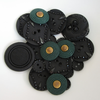 20 x Mixed Buttons - Black & Green