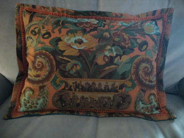 Vintage Oxford Cushion