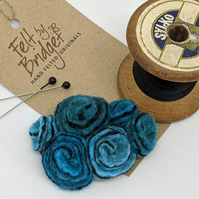 Small vintage inspired felted flowers brooch in shades of turquoise