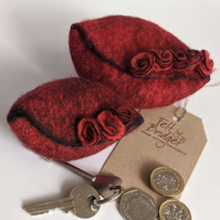 Small felted Pod Purse: Red