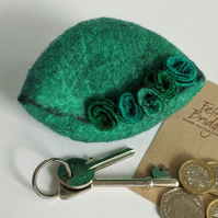 Wet felted Pod Purse: Green (L)