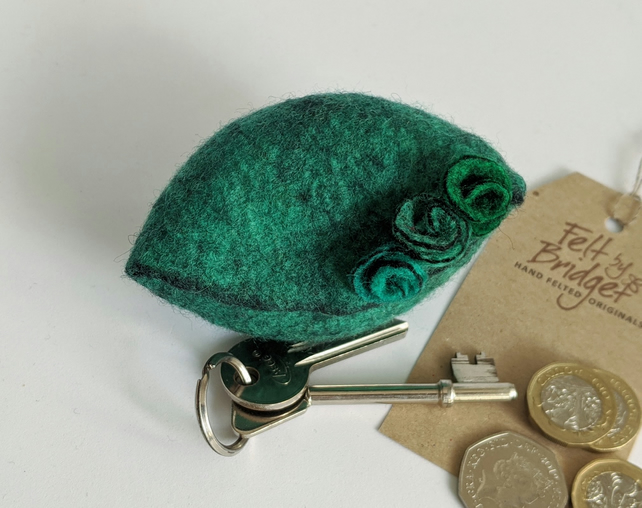Small felted Pod Purse: green
