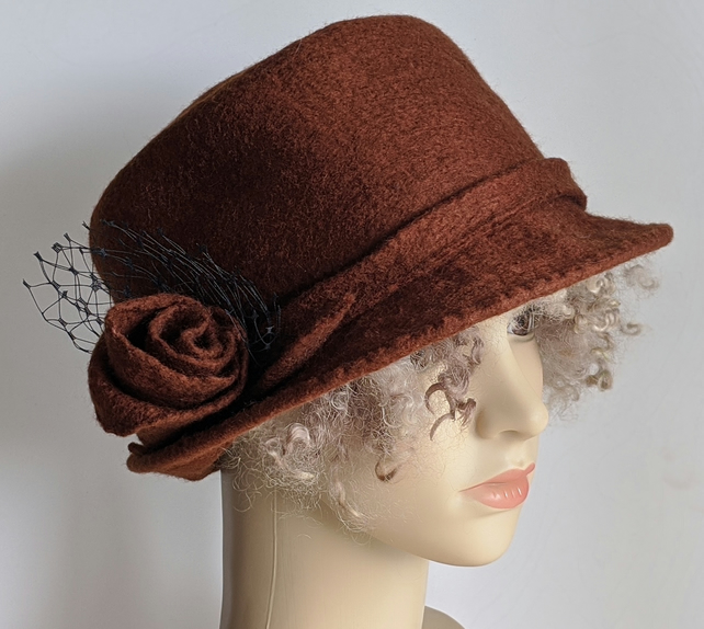 Chestnut felted wool 'pork pie' hat