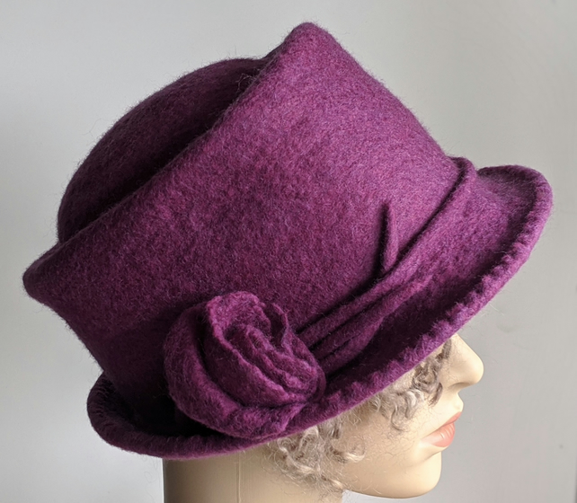Damson felted wool 'pork pie' hat