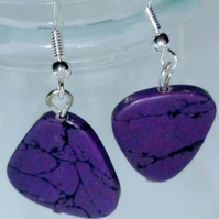 Purple triangular odd earrings 925
