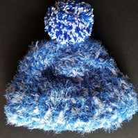 Blue and White Chunky Crochet Bobble Hat