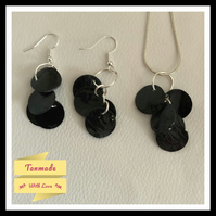 Delicate Shell Necklace & Earrings Set Black
