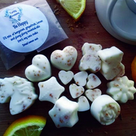 Be Happy 3 x Flower Shaped Wax Melts