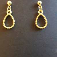 Tear drop stud Earrings gold