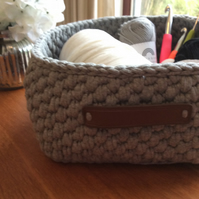Crochet storage basket made from recycled yarn