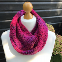 Infinity scarf in DK premium acrylic yarn in gorgeous reds and pinks