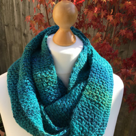 Hand made infinity scarf in Emerald Marble acrylic yarn