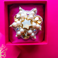 Estrella Swarovski crystal and pearl white and gold embellished beaded brooch