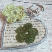 Crochet Flower Keyring - Page of Enchantment, Green